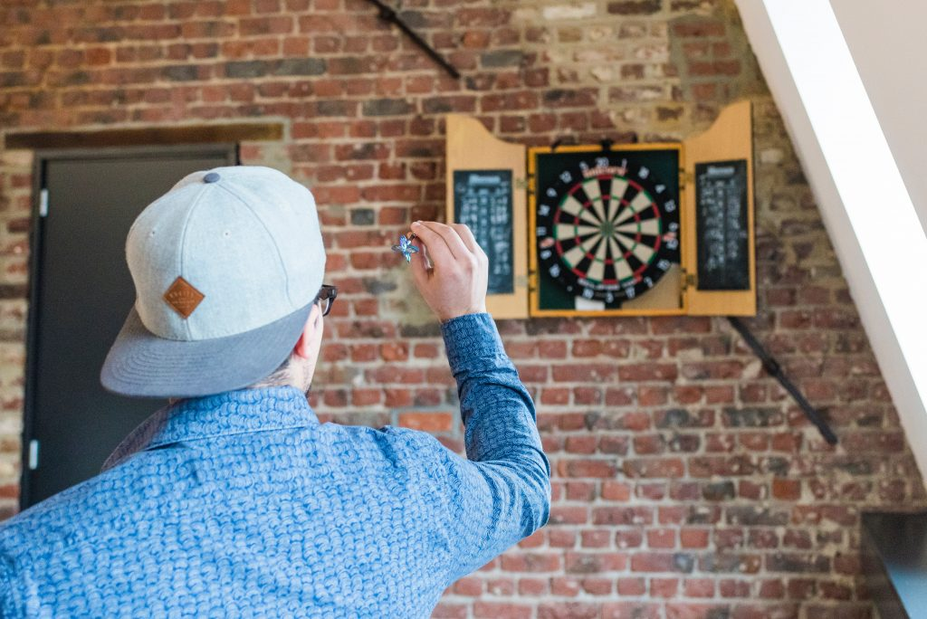 how to learn to play and shoot dartboards